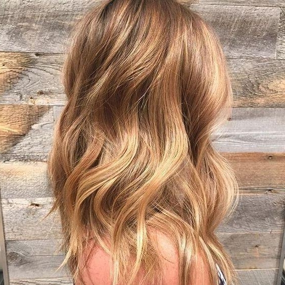 Trendy Fall Hair Colors: Your Best Autumn Hair Color Guide – Belletag With Regard To Warm Blonde Curls Blonde Hairstyles (View 13 of 25)