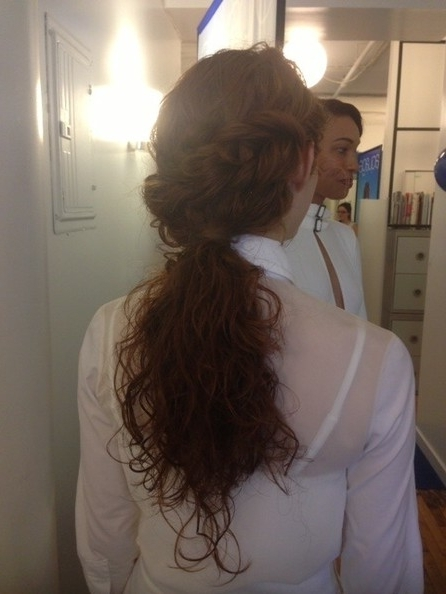 Turn Your Own Hair Into A Ponytail Holder With This Amazing Aquage Inside Botticelli Ponytail Hairstyles (View 5 of 25)