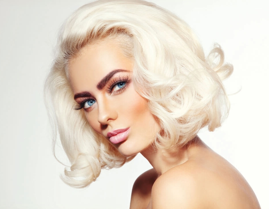 Two Tone Hair: Dark Roots With Blonde Hair With Sleek Blonde Hairstyles With Grown Out Roots (View 16 of 25)