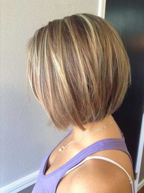 Two Toned Short Haircuts Featuring Blonde And Brown Hair Colors In Inside Bouncy Caramel Blonde Bob Hairstyles (View 7 of 25)