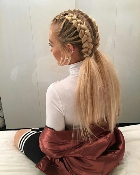 Unbelievably Mom Braid Hairstyles Every Morning Before School In Perfectly Undone Half Braid Ponytail (View 10 of 25)