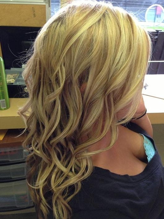 Warm Blonde Curls | Hairstyles How To Throughout Warm Blonde Curls Blonde Hairstyles (View 4 of 25)