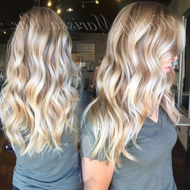 Who Doesn't Love A Bright Blonde And Beach Waves!! #hairbymarissamae For Bronde Beach Waves Blonde Hairstyles (View 2 of 25)