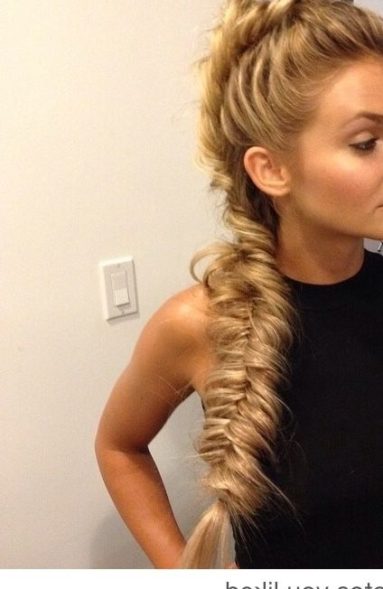 Featured Photo of Wispy Fishtail Hairstyles