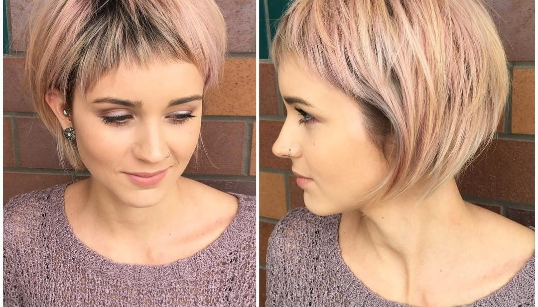 Women's Shaggy Rose Gold Bob With Micro Fringe Bangs And Blonde With Shaggy Highlighted Blonde Bob Hairstyles (View 23 of 25)