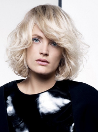 Young Fashion Platinum Blonde Disheveled Waves Chin Length Wavy In Most Up To Date Platinum Blonde Disheveled Pixie Hairstyles (View 8 of 25)