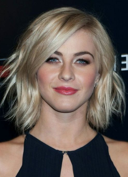 10 Best Ash Blonde Hairstyles – Style Samba Pertaining To Tousled Beach Bob Hairstyles (View 18 of 25)