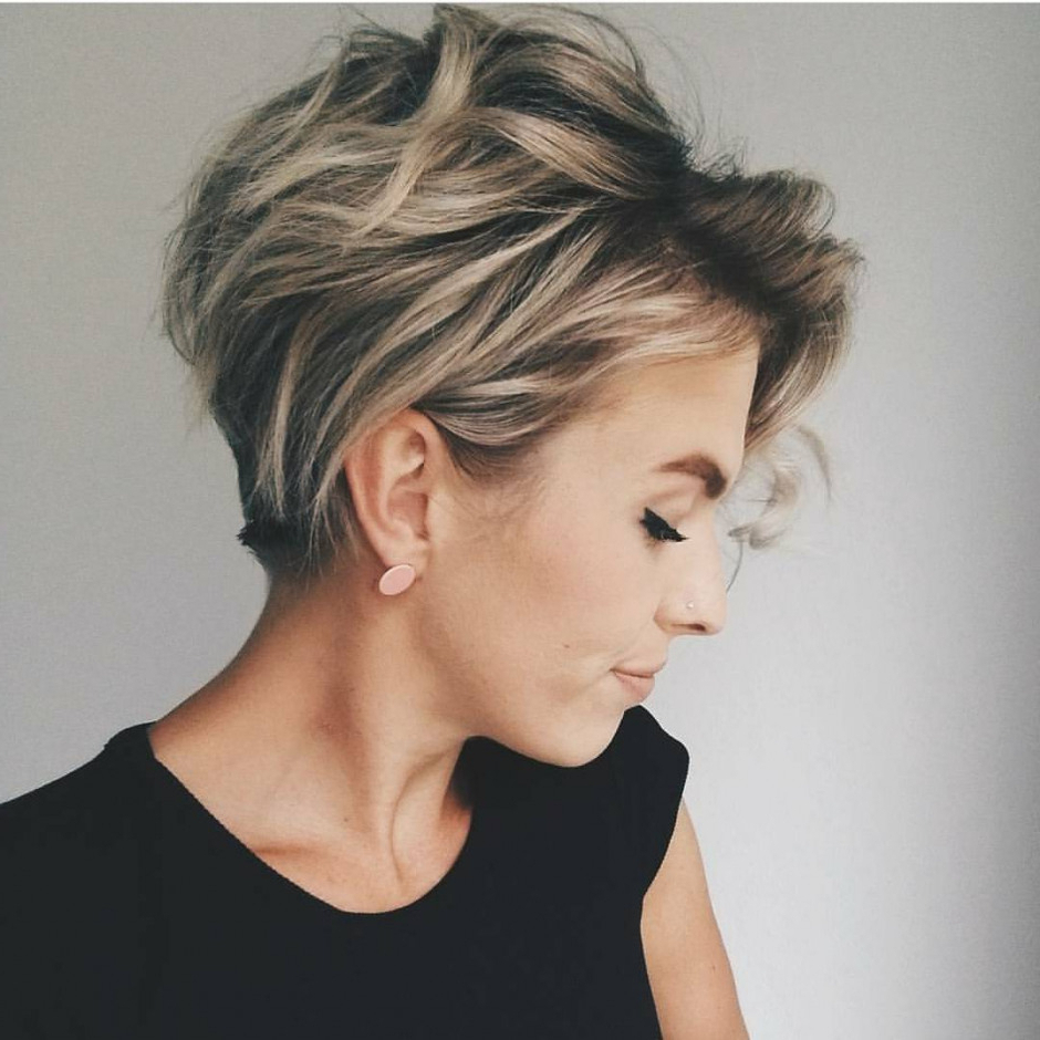 10 Messy Hairstyles For Short Hair – Quick Chic! Women Short Haircut Intended For Chic Short Hair Cuts (View 3 of 25)