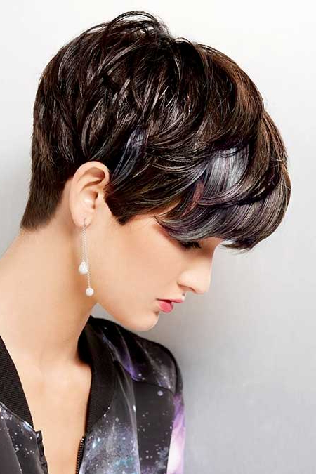 10 Most Flattering Long Pixie Hairstyle Ideas – Hairstylecamp Throughout Long Pixie Hairstyles With Bangs (View 8 of 25)