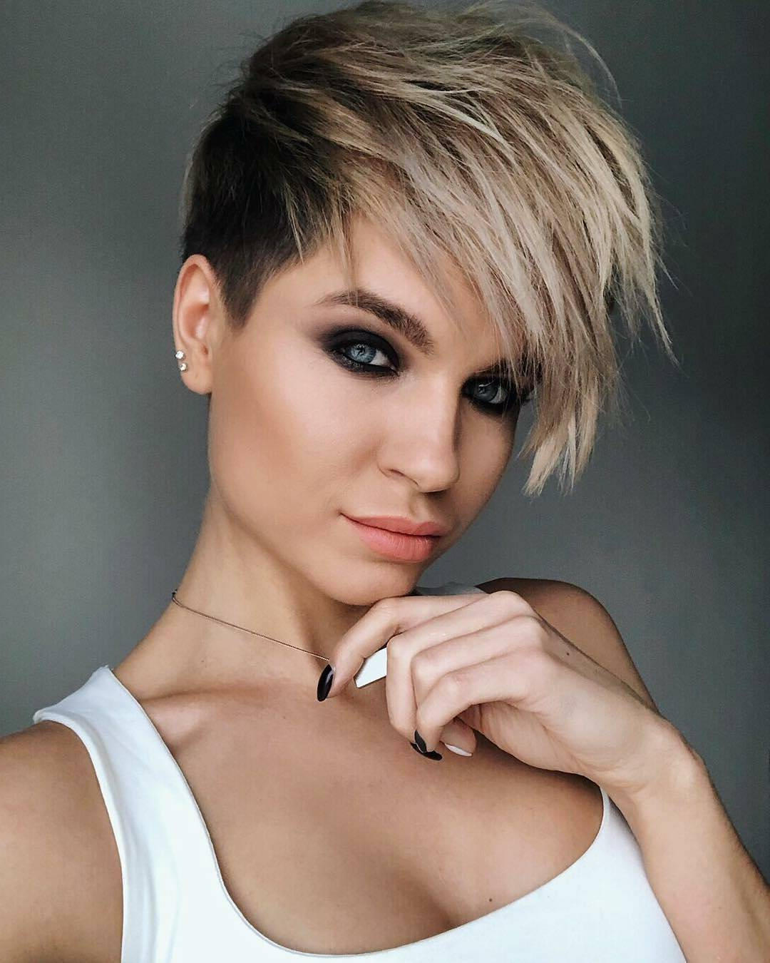 10 New Short Hairstyles For Thick Hair 2018, Women Haircut Ideas Regarding Edgy Short Haircuts For Thick Hair (View 2 of 25)