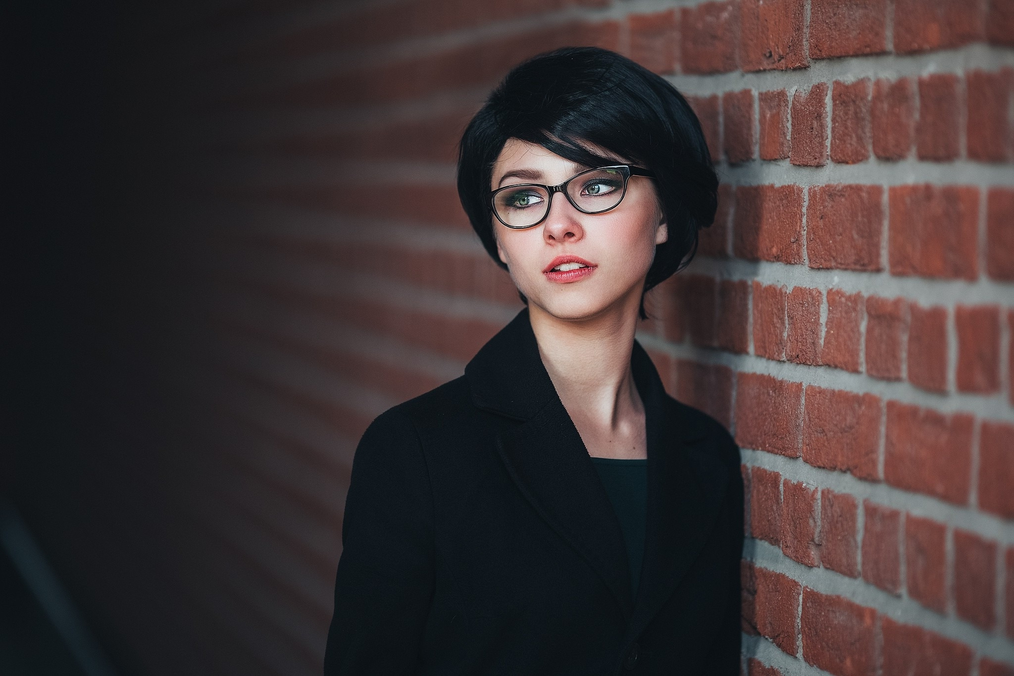 10 Trendy Short Haircuts Glasses Look Fresh   Hairstyles Regarding Short Haircuts For Glasses (View 14 of 25)