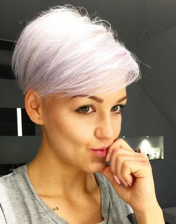 100 Mind Blowing Short Hairstyles For Fine Hair For Icy Poker Straight Razored Pixie Haircuts (View 11 of 25)