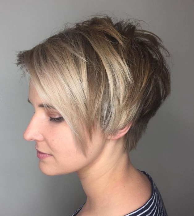 25 The Best Elongated Choppy Pixie Haircuts With Tapered Back