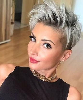 100 Mind Blowing Short Hairstyles For Fine Hair With Regard To Icy Poker Straight Razored Pixie Haircuts (View 4 of 25)