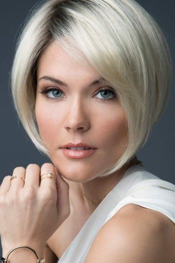 100 Mind Blowing Short Hairstyles For Fine Hair Within Icy Poker Straight Razored Pixie Haircuts (View 19 of 25)