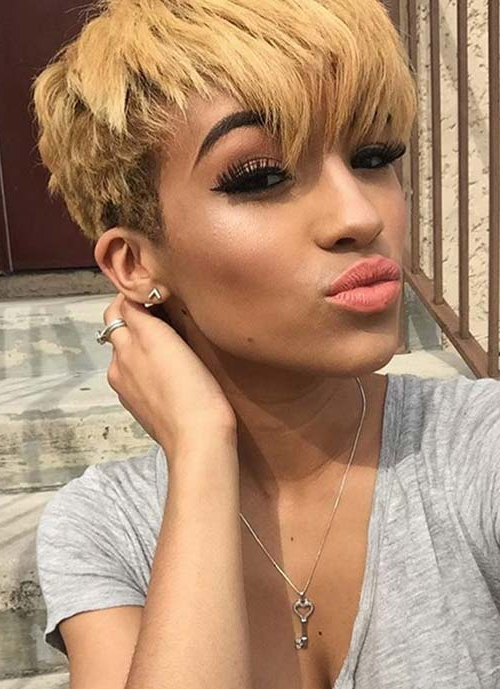 100 Short Hairstyles For Women: Pixie, Bob, Undercut Hair | Fashionisers In White Bob Undercut Hairstyles With Root Fade (View 7 of 25)