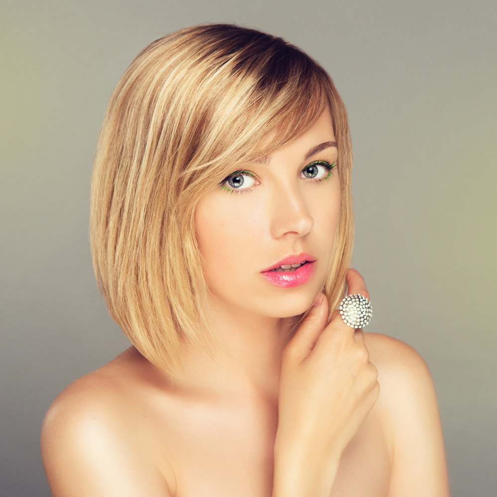 102 Side Swept Bangs Hairstyles & Haircuts For Women (2018) Regarding Short Haircuts Side Swept Bangs (View 1 of 25)