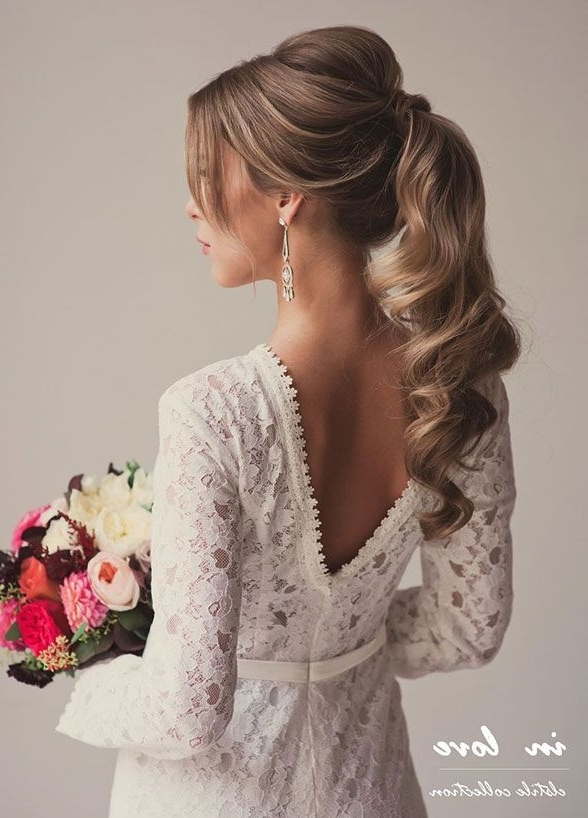 Featured Photo of Romantic Ponytail Hairstyles