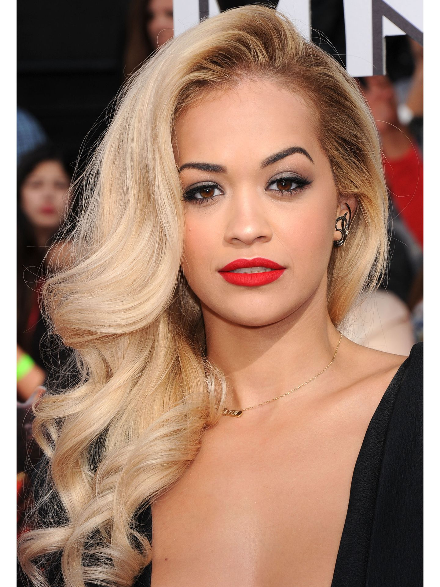 11 Side Swept Hairstyles – Celebrity Side Hairstyle Inspiration Within Rita Ora Short Hairstyles (View 24 of 25)