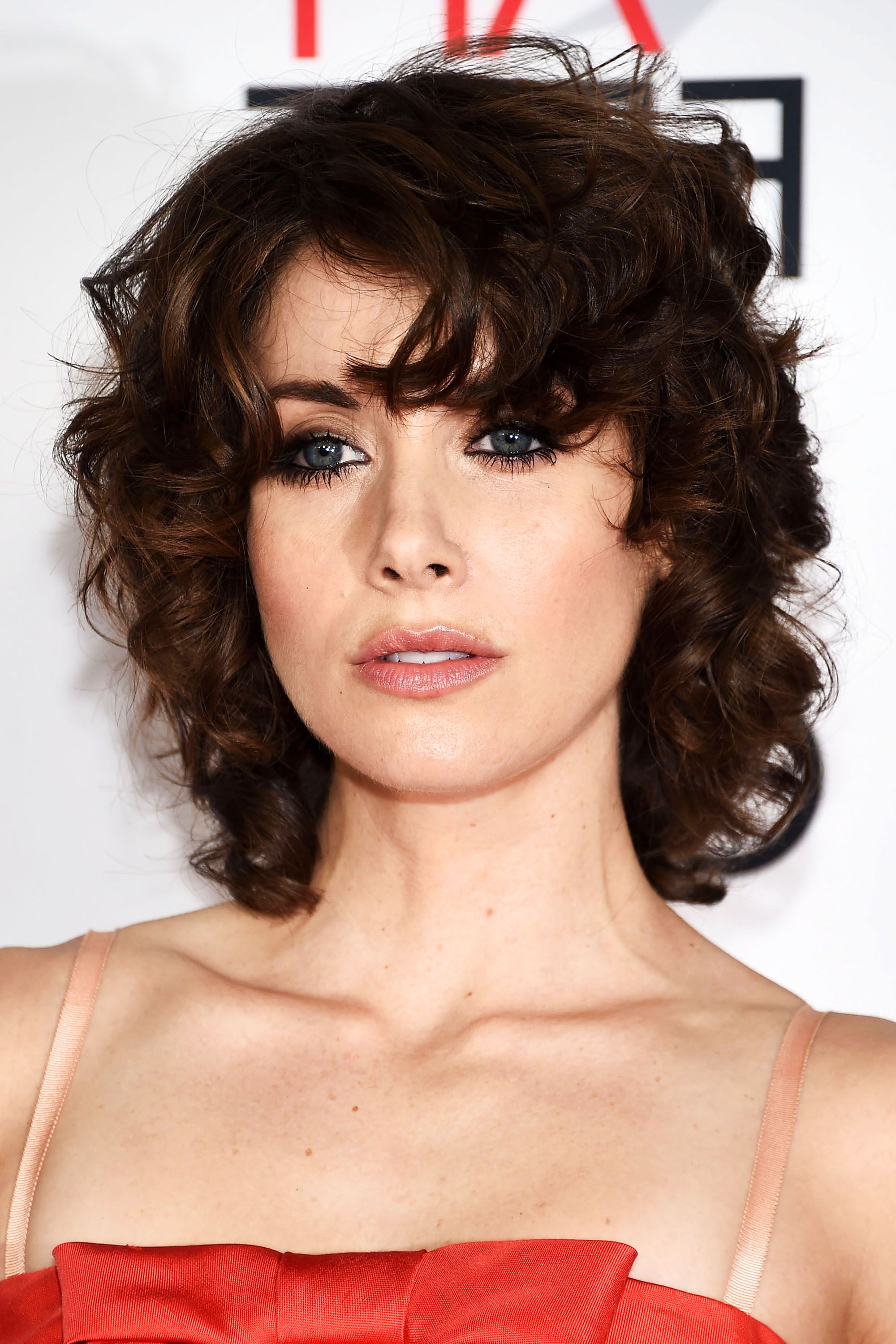 112 Hairstyles With Bangs You'll Want To Copy – Celebrity Haircuts Throughout Side Swept Short Hairstyles (View 15 of 25)