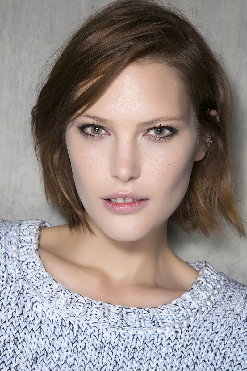12 Medium Short Hairstyles That Are Low Maintenance, Yet Stylish With Regard To Low Maintenance Short Haircuts (View 15 of 25)