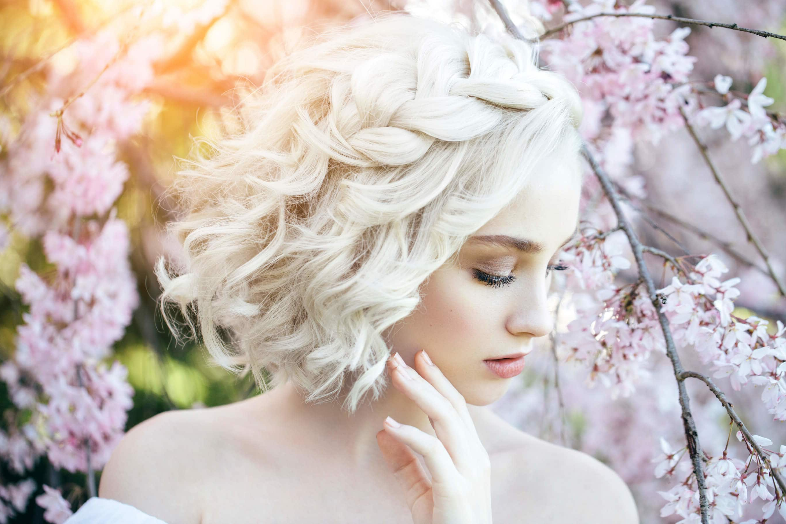 14 Chic Wedding Hairstyles For Short Hair Within Bridal Hairstyles Short Hair (View 17 of 25)