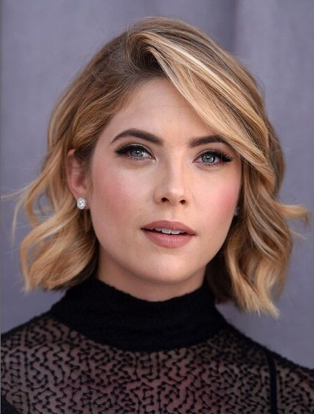 14 Flattering Short Hairstyles For Your Office Look In 2018   Hair Regarding Short Haircuts With Side Part (View 17 of 25)