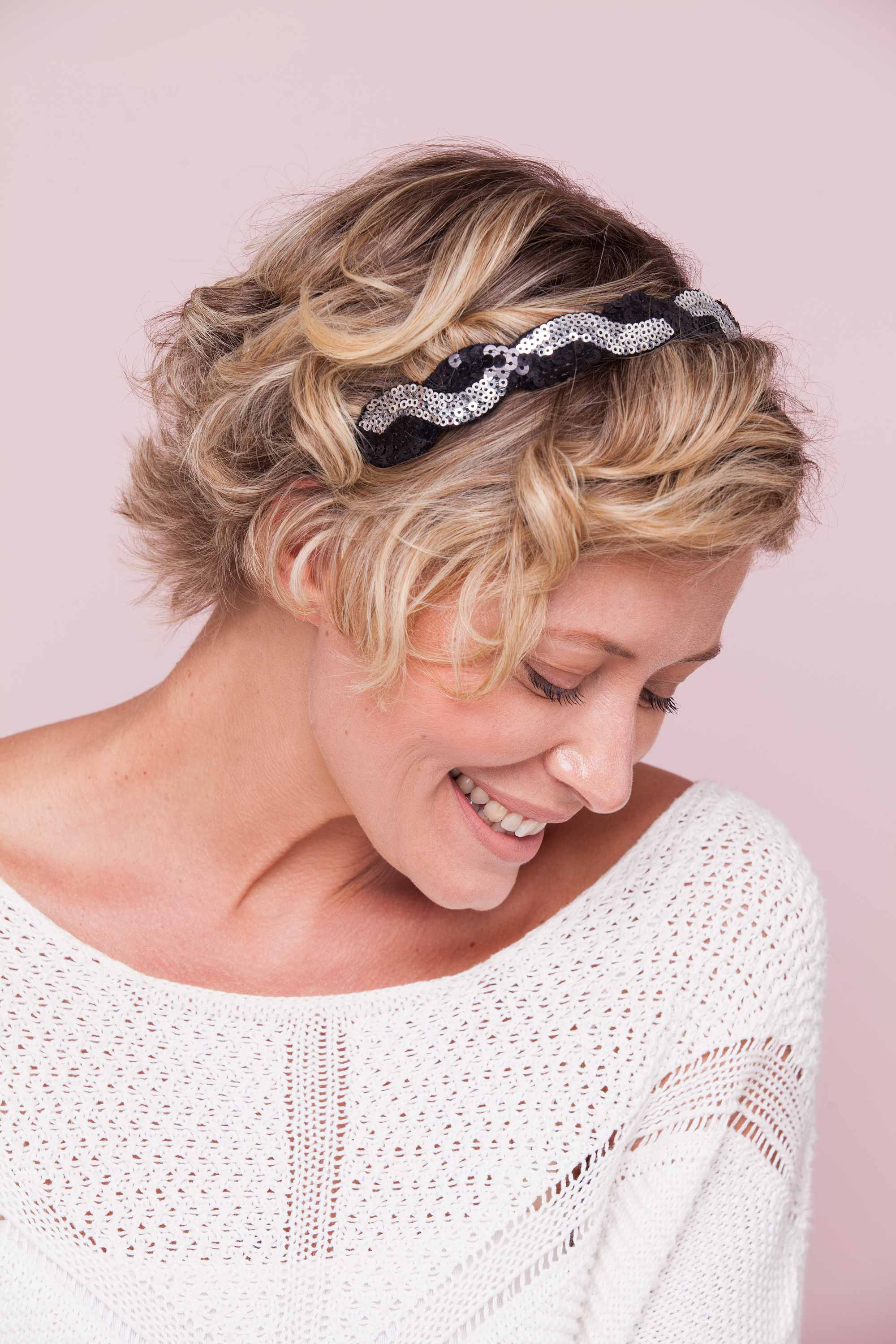 14 Short Summer Hairstyles To Help You Beat The Heat In Style   All With Short Haircuts With Headbands (View 24 of 25)