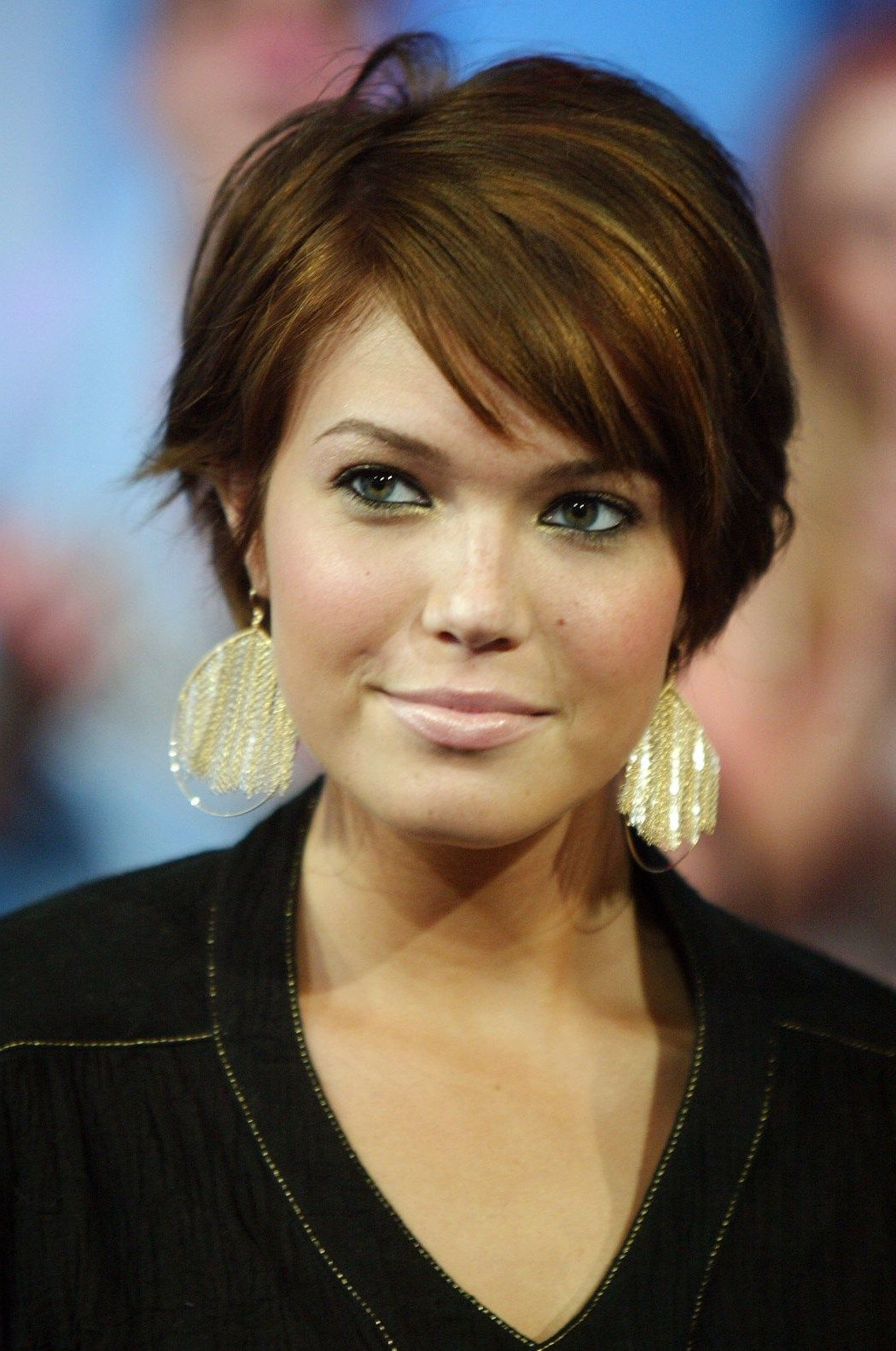 15 Sassy Hairstyles Featuring Mandy Moore Short Hair | Pinterest Inside Short Hairstyles For Small Faces (View 4 of 25)