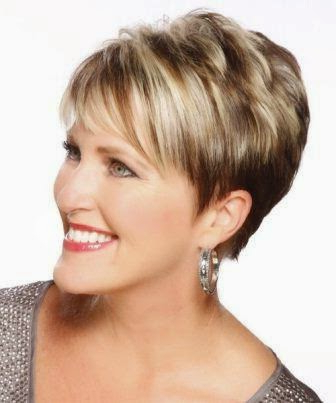15 Youthful Short Hairstyles For Women Over 40 For Disheveled Blonde Pixie Haircuts With Elongated Bangs (View 16 of 25)