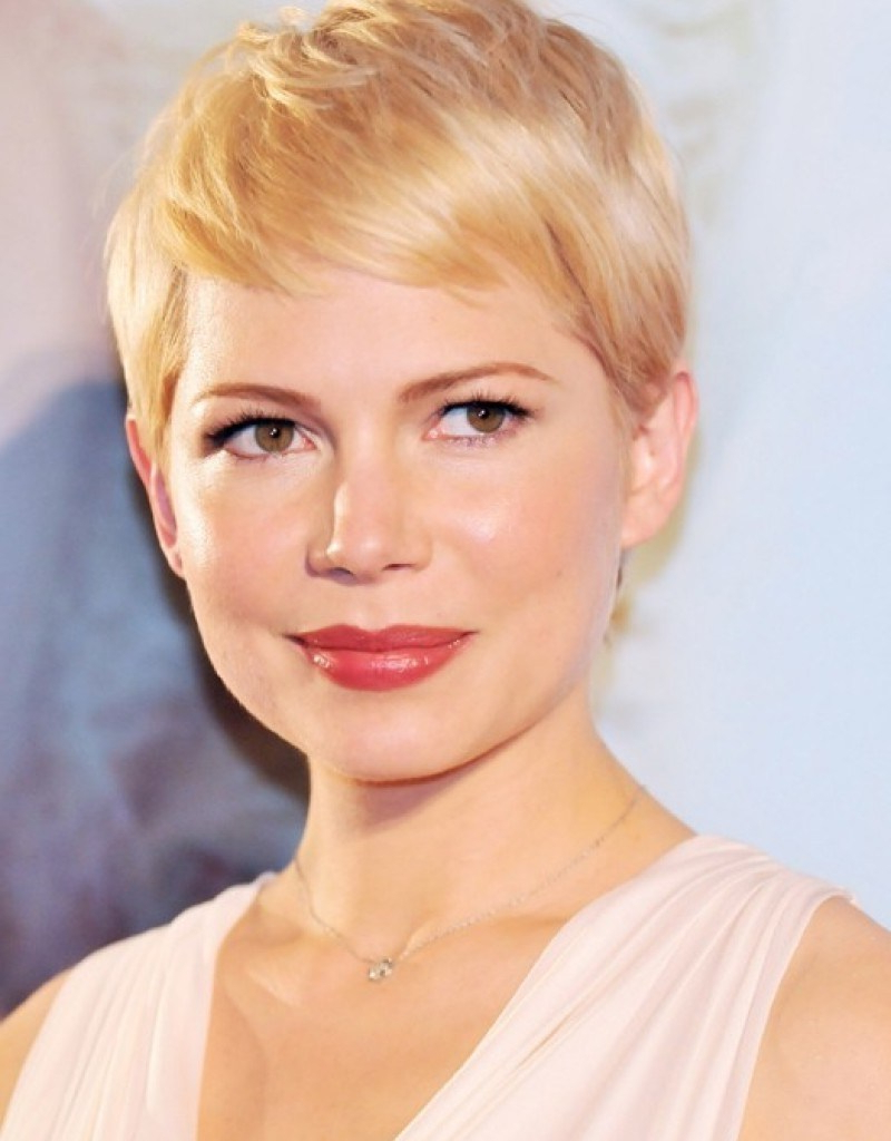 16 Expert Short Haircuts For Fat Face Looks And Ideas ~ Louis Palace With Fat Short Hair (View 22 of 25)