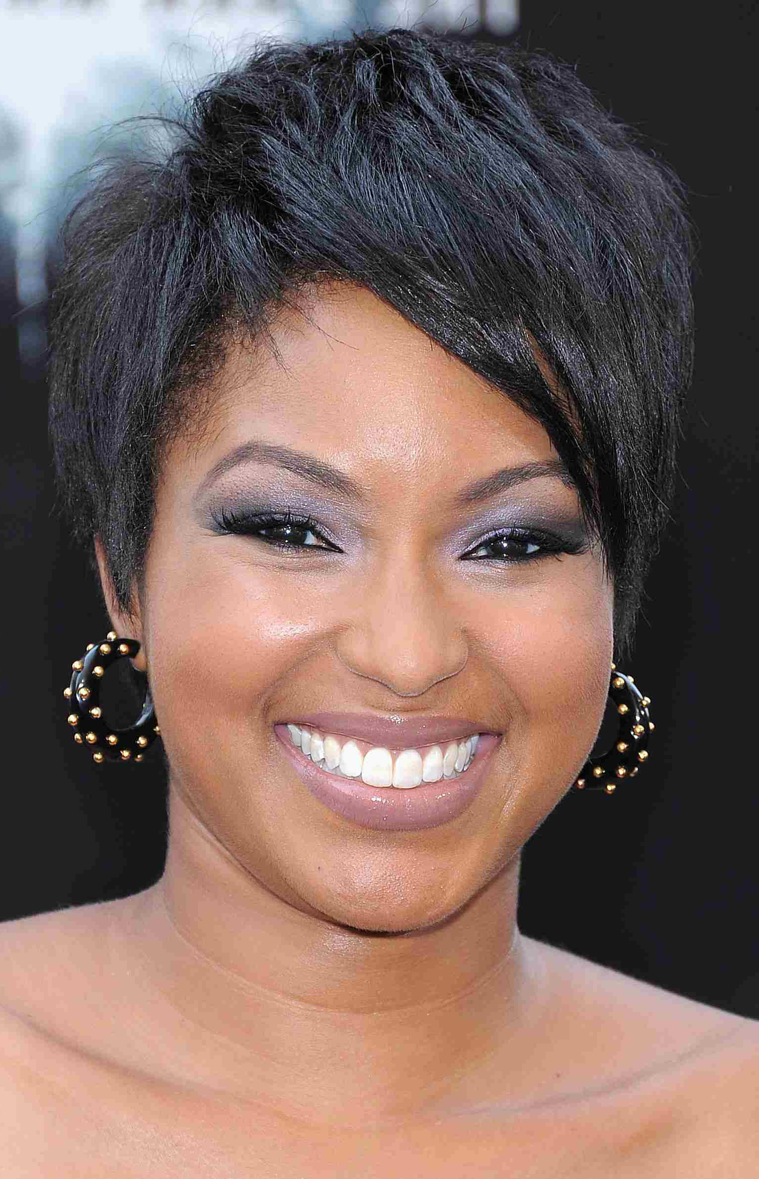 16 Flattering Short Hairstyles For Round Face Shapes Throughout Short Haircuts For Round Faces Black Hair (View 12 of 25)