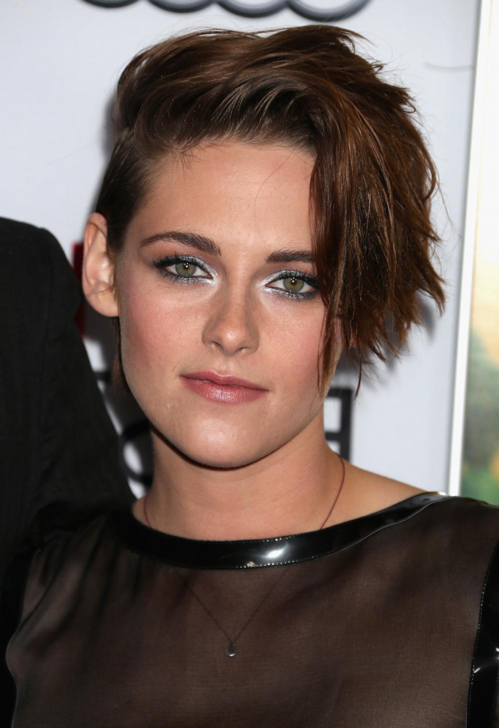 16 Times Kristen Stewart Gave Us Infinite Hair Goals – Hellogiggles With Regard To Kristen Stewart Short Hairstyles (View 25 of 25)
