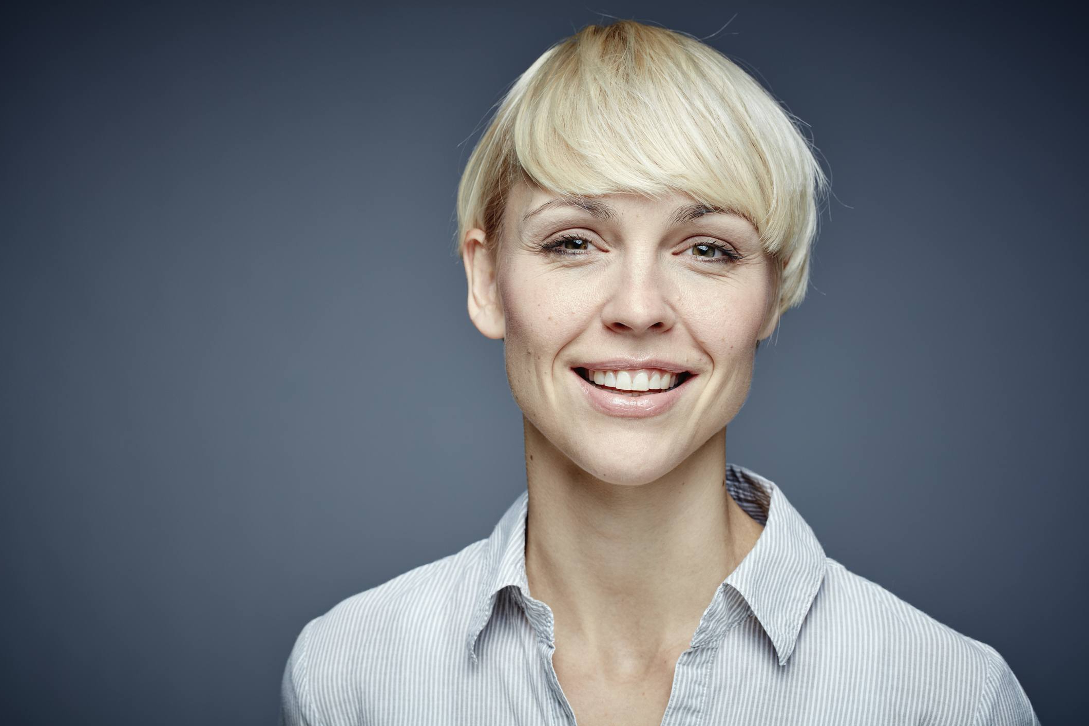 17 Gorgeous Pixie Haircuts For Older Women Throughout Short Haircuts For Glasses Wearer (View 15 of 25)