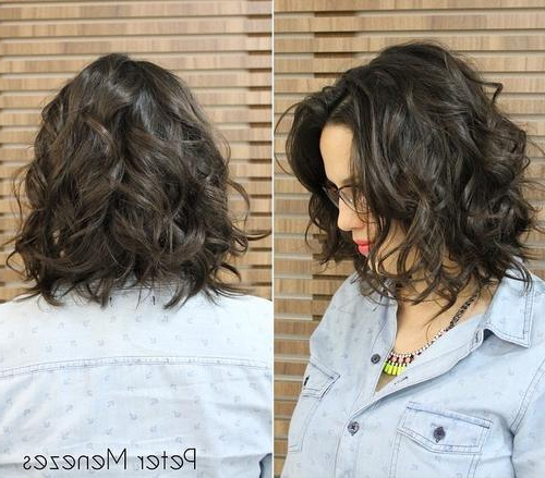 20 Chic Wavy Bob Haircuts For All | Styles Weekly For Brunette Bob Haircuts With Curled Ends (View 16 of 25)