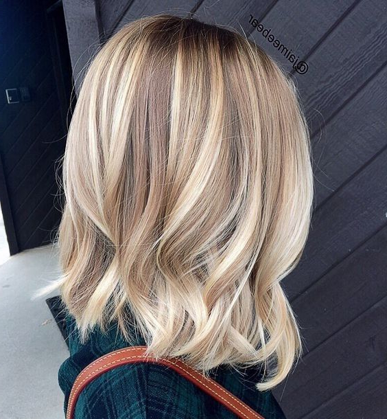 20 Lovely Medium Length Haircuts For 2019: Meidum Hair Styles For Intended For Short Wavy Blonde Balayage Bob Hairstyles (View 12 of 25)