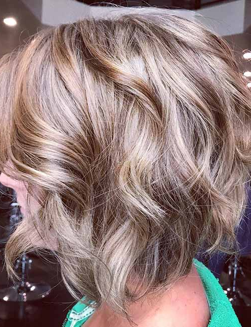 20 Lovely Styling Ideas For Layered Bob Hair Regarding Ash Blonde Bob Hairstyles With Feathered Layers (View 11 of 25)