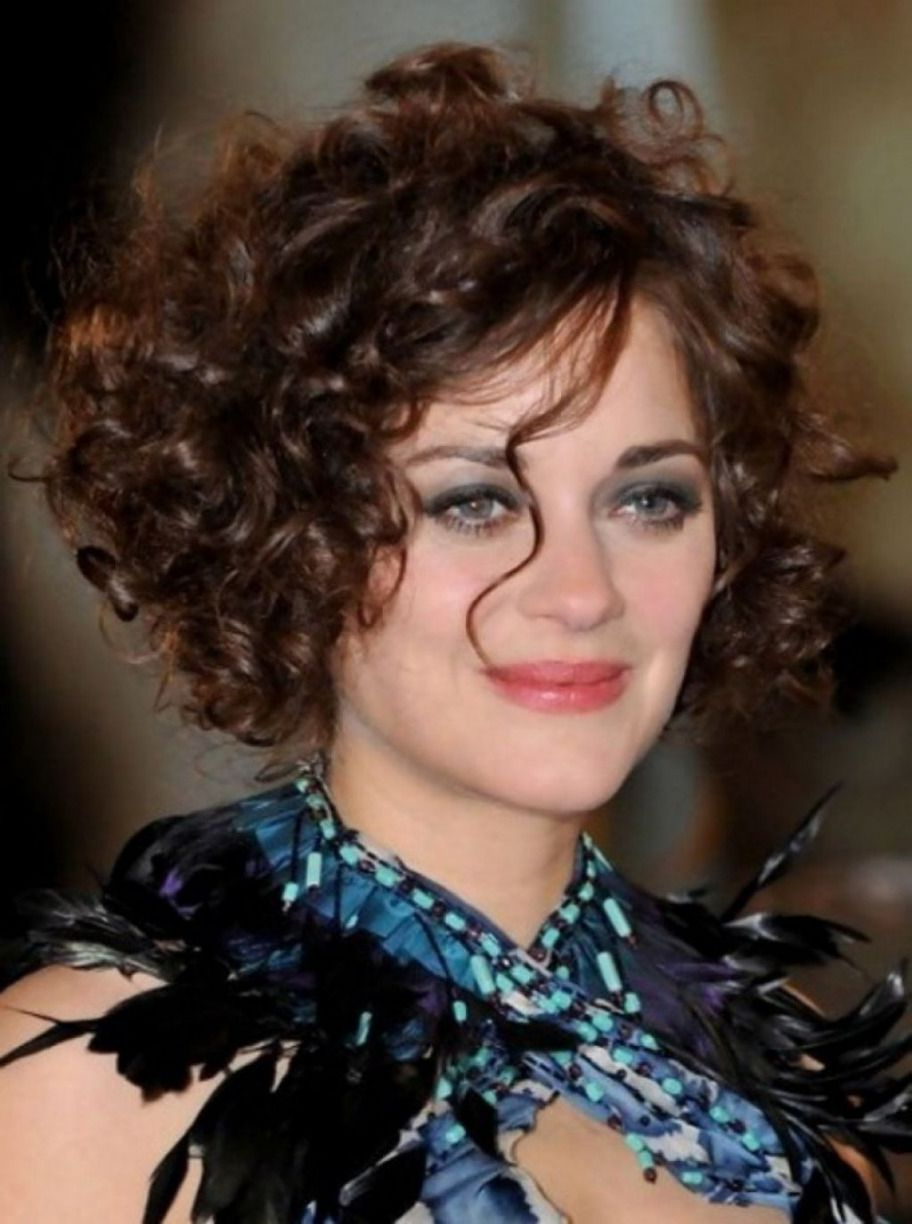 20 Short Haircuts For Round Faces And Curly Hair Best Design Regarding Short Haircuts For Naturally Curly Hair And Round Face (View 2 of 25)