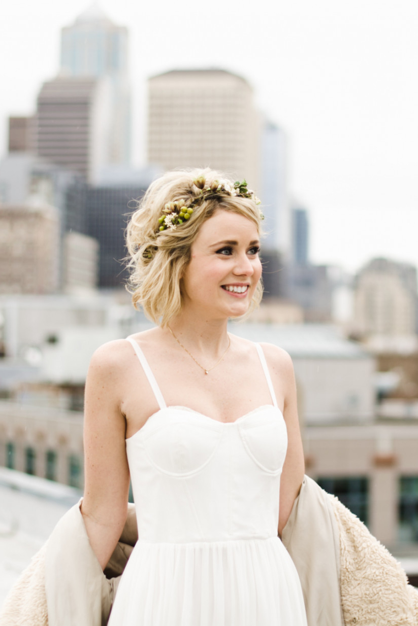 20 Wedding Hairstyles For Short Hair: Updos, Half Up & More Within Hairstyles For Short Hair Wedding (View 15 of 25)