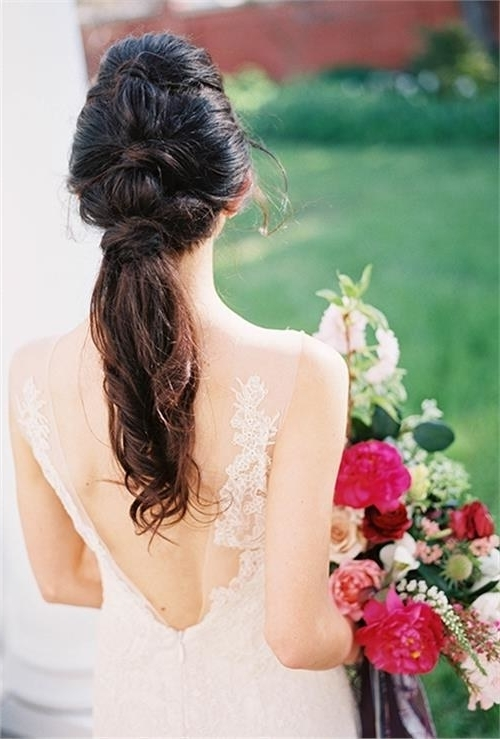 20 Wedding Ponytail Hairstyles For The Modern, Romantic, And For Wavy Ponytails With Flower (View 4 of 25)