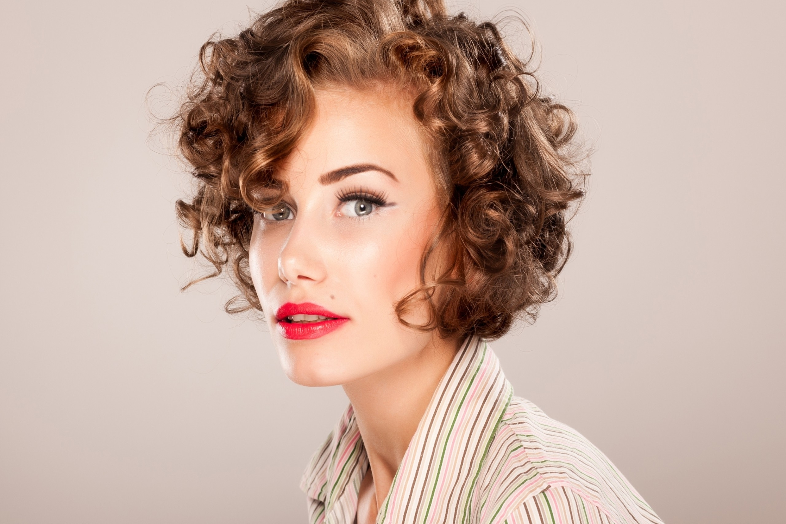 2018 Curly Short Haircuts – Short And Cuts Hairstyles Intended For Short Hairstyles For Ladies With Curly Hair (View 7 of 25)