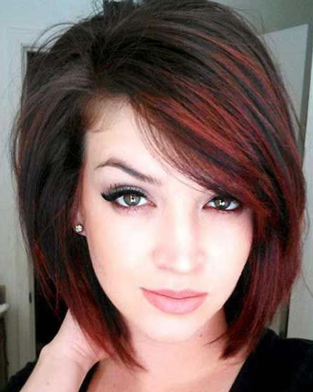 2018 Short Hair Ideas & Latest Hair Colors And Designs For Ladies Intended For Latest Short Hairstyles For Ladies (View 19 of 25)
