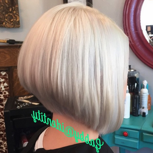 21 Hottest Stacked Bob Hairstyles – Hairstyles Weekly In Stacked Sleek White Blonde Bob Haircuts (View 9 of 25)