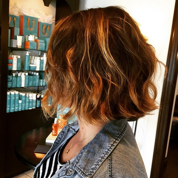 21 Medium Length Bob Hairstyles You'll Want To Copy – Hairstyles Weekly With Tousled Beach Bob Hairstyles (View 9 of 25)