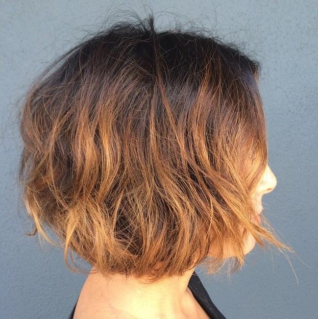 21 Textured Choppy Bob Hairstyles: Short, Shoulder Length Hair Regarding Two Tone Curly Bob Haircuts With Nape Undercut (View 16 of 25)