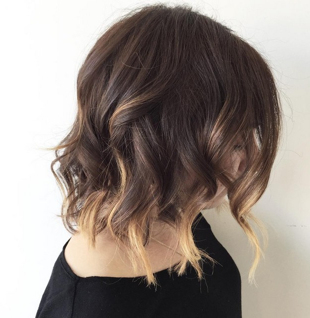 21 Textured Choppy Bob Hairstyles: Short, Shoulder Length Hair Within Brunette Bob Haircuts With Curled Ends (View 10 of 25)