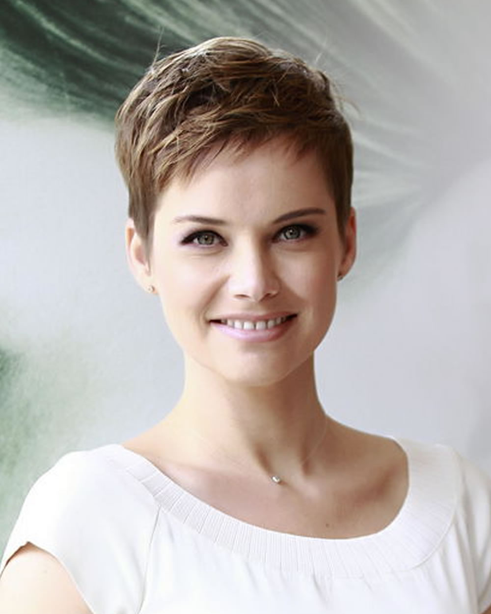 21 Trendy Short Haircut Images And Pixie Hairstyles You'll Really Regarding Trendy Short Haircuts (View 9 of 25)