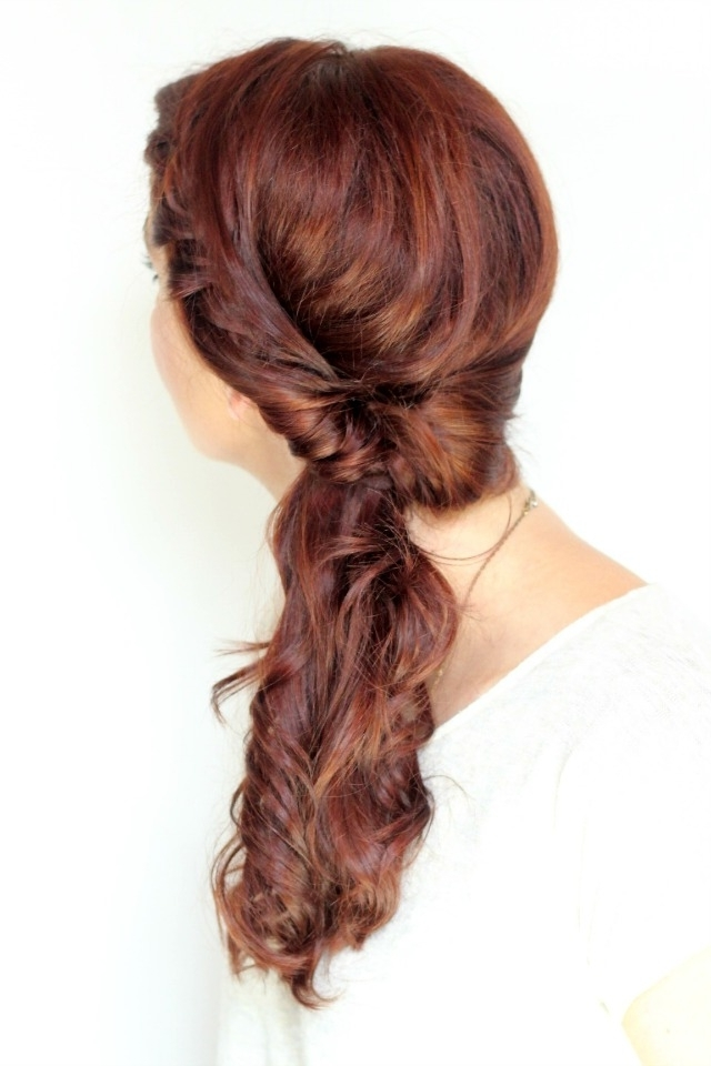 21 Ways To Upgrade Your Mom Ponytail – Ma Nouvelle Mode Throughout Twisted Front Curly Side Ponytail Hairstyles (View 9 of 25)