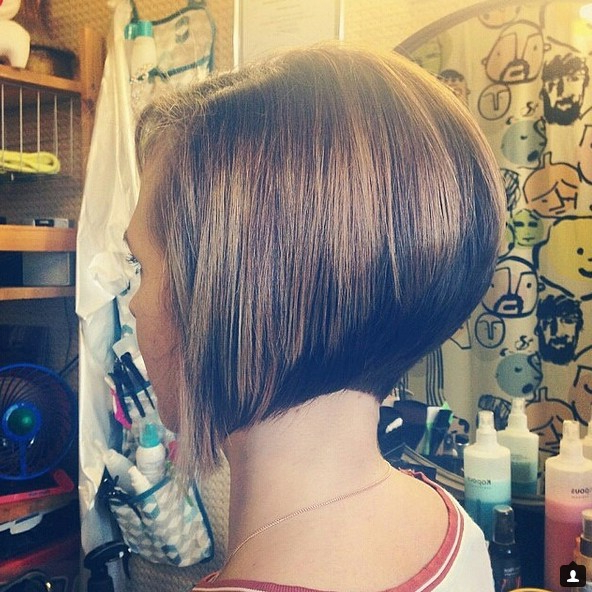 22 Cute & Classy Inverted Bob Hairstyles – Pretty Designs Inside Caramel Blonde Rounded Layered Bob Hairstyles (View 23 of 25)
