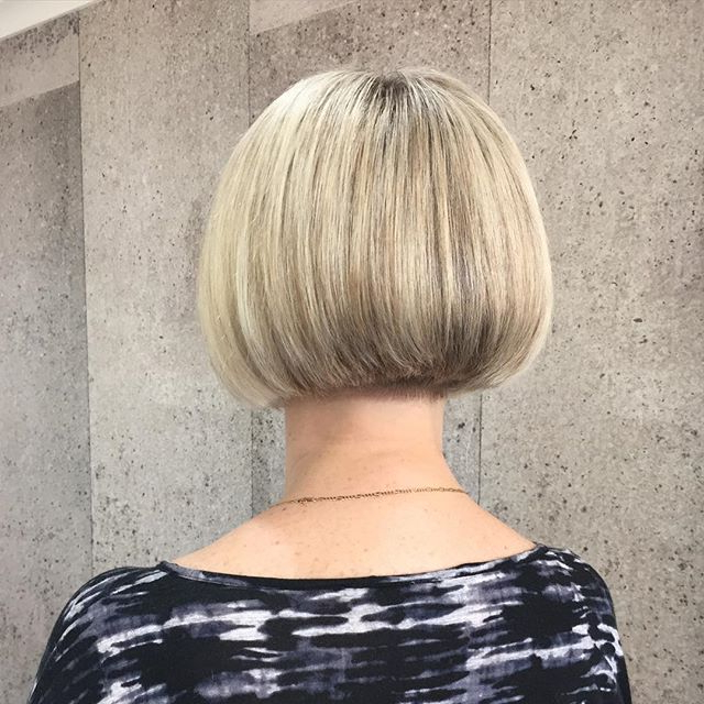 22 Cute Graduated Bob Hairstyles: Short Haircut Designs – Popular Throughout Short Razored Blonde Bob Haircuts With Gray Highlights (View 16 of 25)